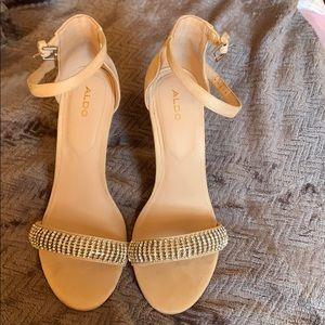 Cream/tan sandal heels